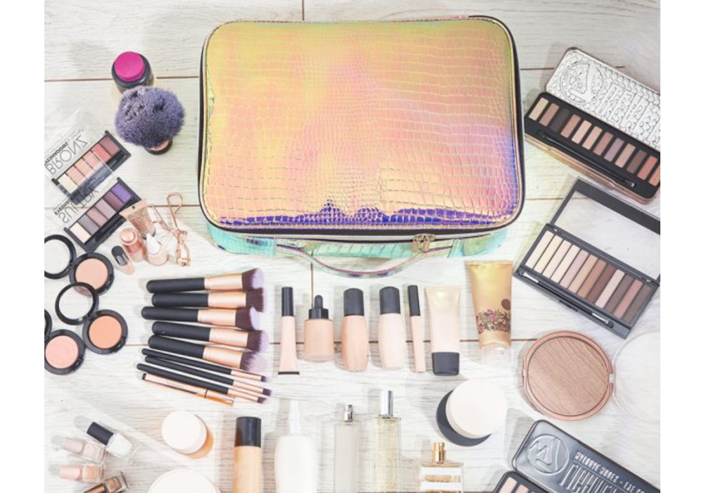The 4 Best Makeup Bags for Travelling