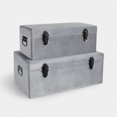Beautify set of 2 silver velvet storage trunks with graphite clasps and handles